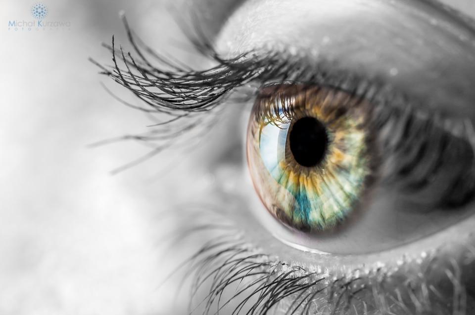Artystyczne ujęcie ludzkiego oka